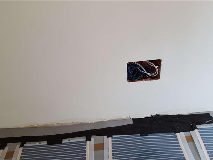 Ristrutturazione di appartamento da classe G con film sottile e posa a secco