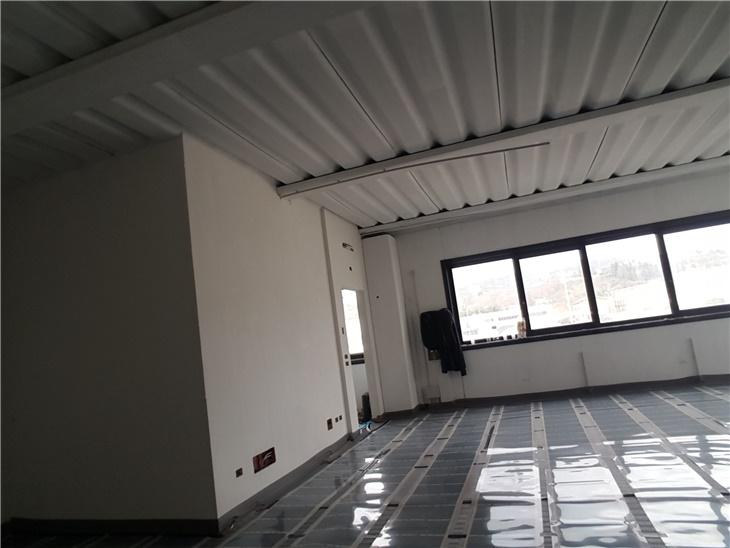 Ristr. capannone Ufficio-Laboratorio da classe G